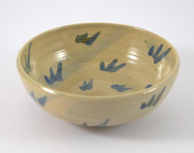 japanisch anmutende kleine Schale in blau und beige