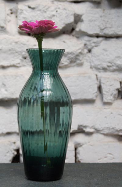 dunkle Vase
