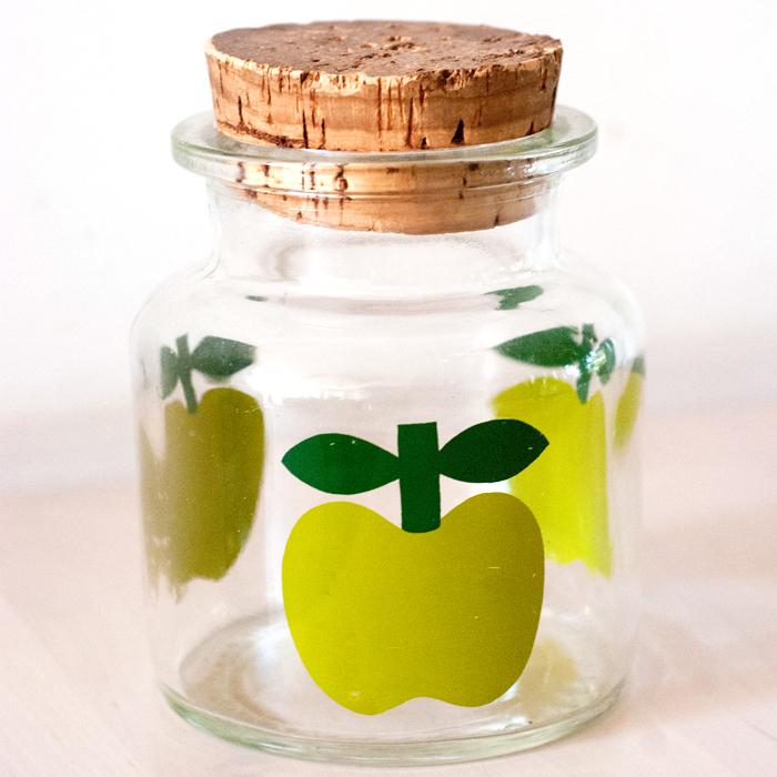 Flohmarktfund: Vorratsglas mit Apfelmotiv