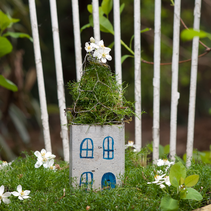 Feenhäuschen aus Beton – ein romantisches DIY für den Garten