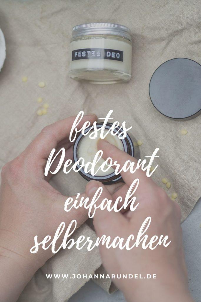 Kosmetik selbst herzustellen ist gar nicht schwer! Mein DIY festes Deo zum Beispiel besteht aus nur vier Zutaten: Sheabutter, Kokosöl, Natron und Stärke. Ich benutze seit Jahren kein anderes Deodorant mehr! Die Anleitung gibt´s auf www.johannarundel.de
