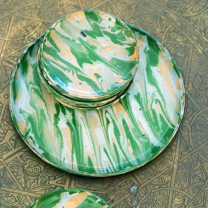 Emaillegschirr in grün/sand Farbe vom Flohmarkt