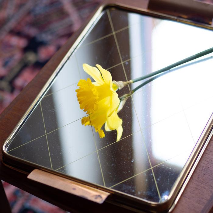 Flohmarktfund: Vintage Spiegel-Tablett