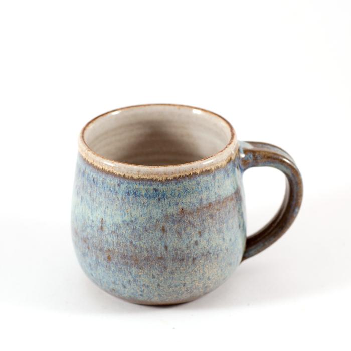 Flohmarktfunde: Keramiktasse blau getöpfert
