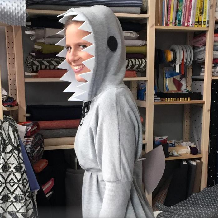 DIY Last-Minute Kostüm Haifisch