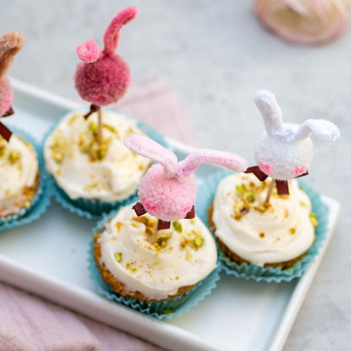 Leckere Rübli-Muffins und DIY Osterhasen-Caketopper