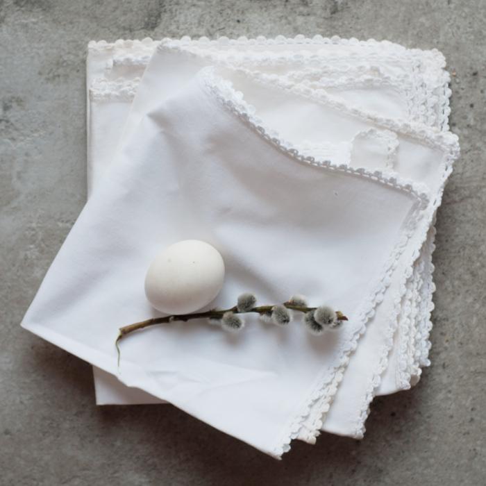 Flohmarktfund: Weiße Stoff-Servietten