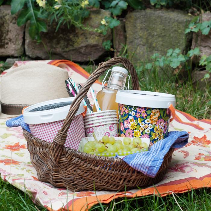 Upcycelte Joghurtbecher fuers Picknick. Ein Tutorial von johannarundel.de