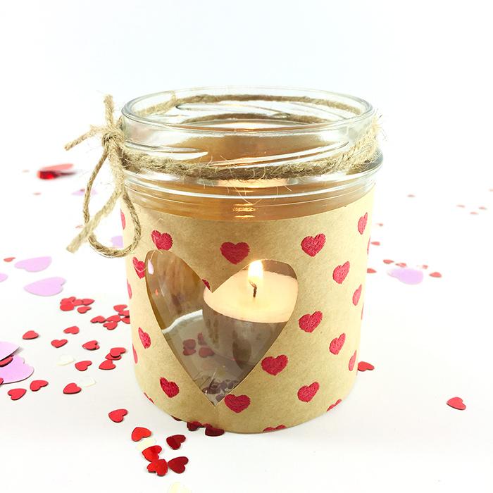 Falls du für den Valentinstag noch ein Geschenk für einen lieben Menschen brauchst... Bastle doch einfach schnell noch eins! Meine drei genderneutralen DIY Präsente sind garantiert ratzfatz fertig!