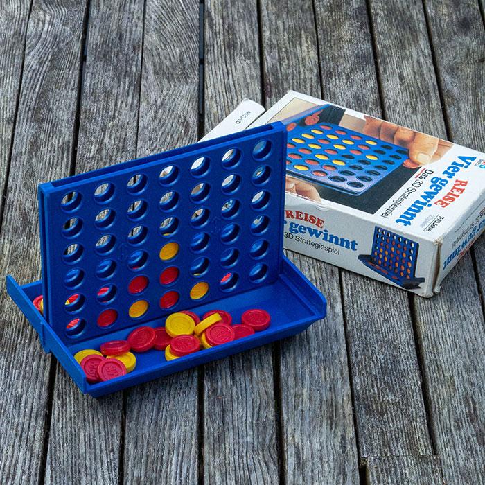 Flohmarktfunde: Vier-Gewinnt-Spiel