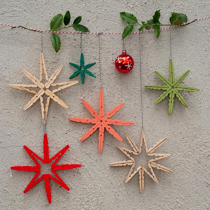 Diy Weihnachtsdeko.Kunterbunte Diy Deko Sterne Aus Holzwäscheklammern