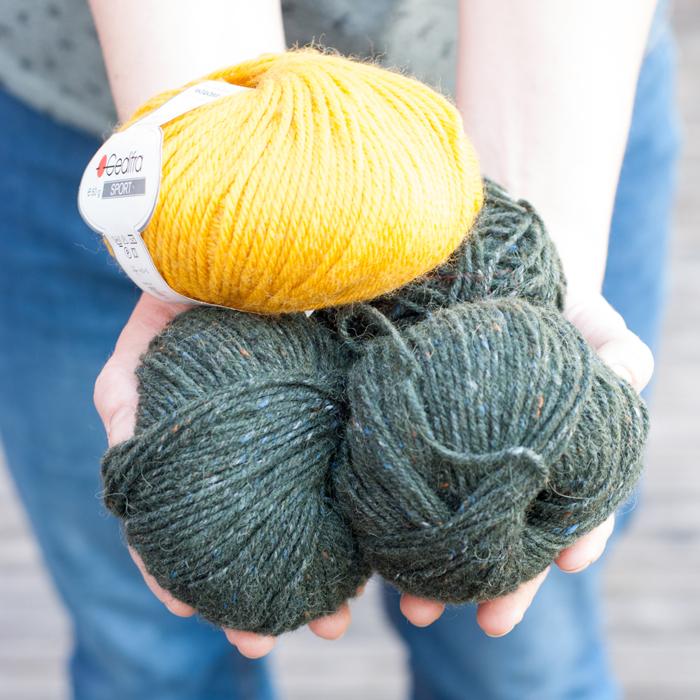 Flohmarktfund: Tolle Wolle in grün-meliert und knallgelb für die neue Wintermütze