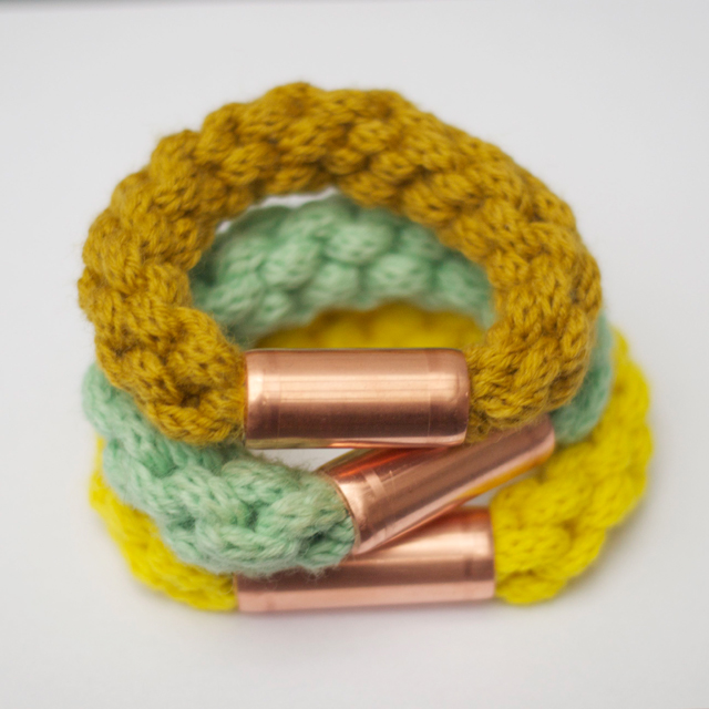 Strickliesel-Armband mit Kupfertwist